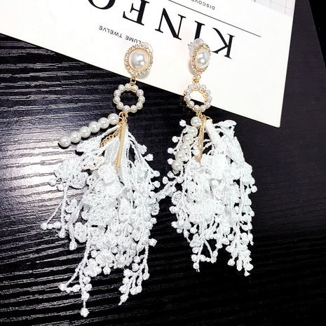 Nueva moda coreana pendientes de flores de encaje de perlas pendientes largos tela exagerada al por mayor nihaojewelry NHFT238581's discount tags