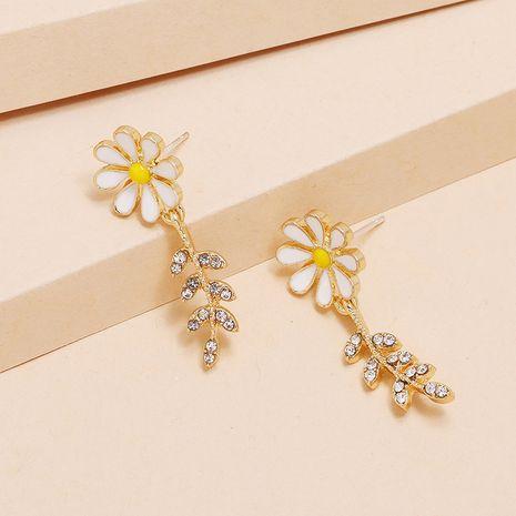Boucles d'oreilles fleur de soleil de diamant de mode coréenne de nouvelle fleur de marguerite simples et petites NHKQ238761's discount tags