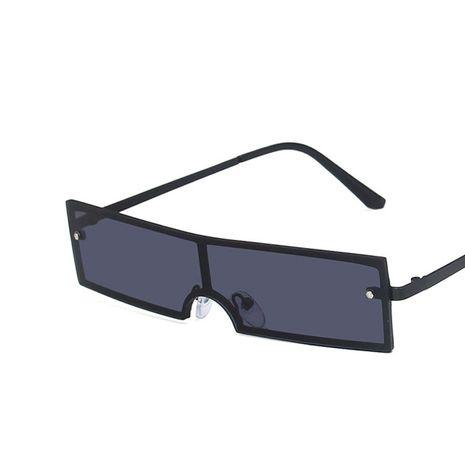 Gafas de sol para mujer nueva tendencia de moda marco pequeño rectangular nuevas gafas de sol retro al por mayor nihaojewelry NHKD233592's discount tags