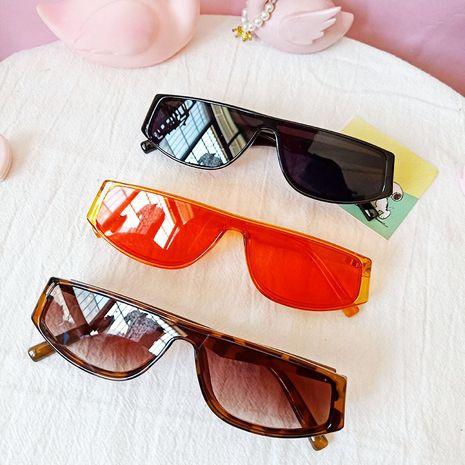 Retro one-piece sunglasses ladies orange style sunglasses wholesale nihaojewelry NHBA231457's discount tags