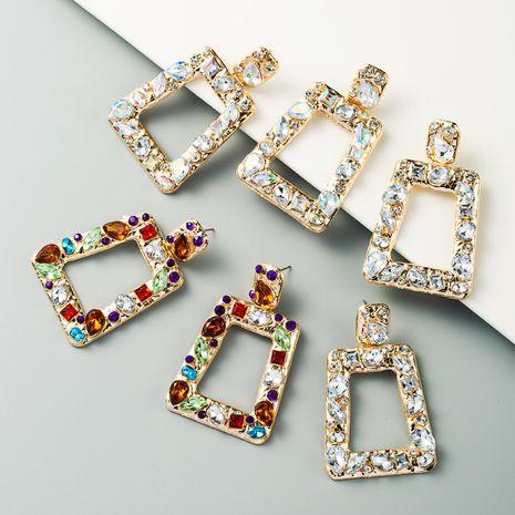 boucles d'oreilles carrées géométriques creuses exagérées en alliage incrusté de strass couleur boucles d'oreilles exagérées en gros nihaojewelry NHLN231493's discount tags