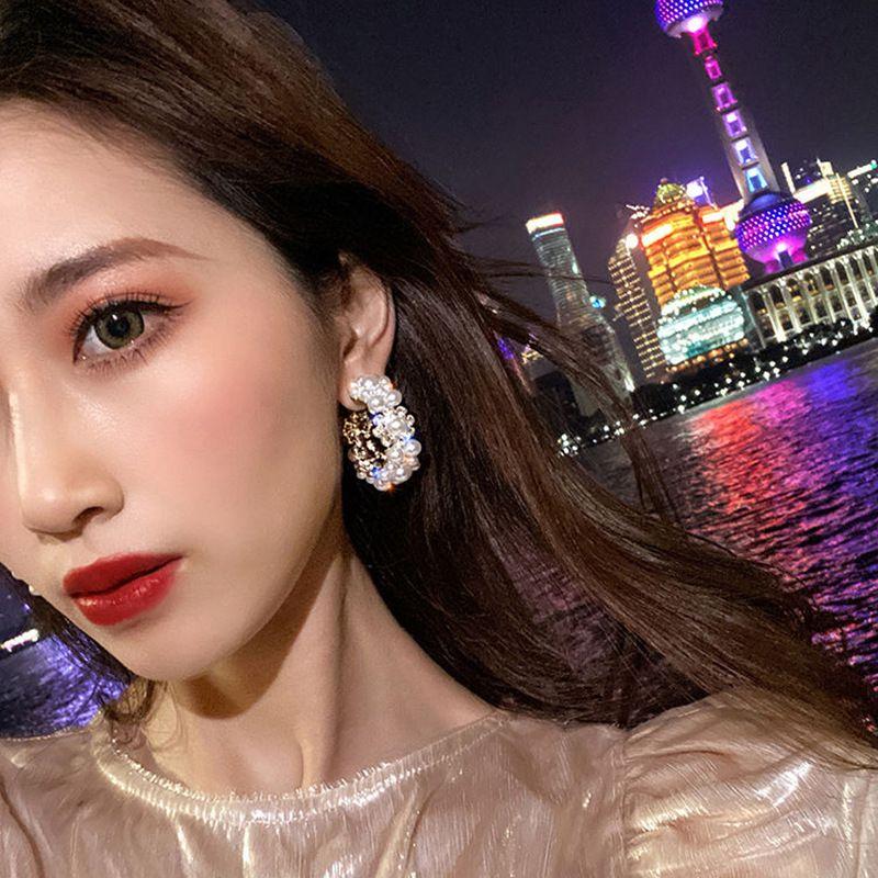 S925 silver needle circle rhinestone pearl fashion earrings C-shaped pearl simple earrings wholesale nihaojewelry NHNT239316