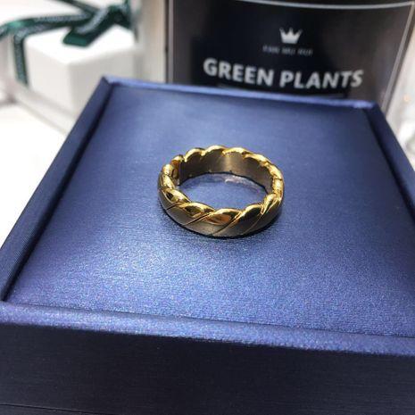 Nouveaux bijoux Bague rétro en acier au titane plaqué or 18 carats en gros Nihaojewelry NHIM239362's discount tags