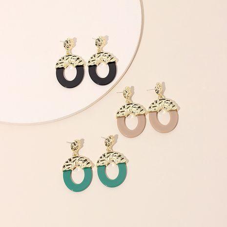 Boucles d'oreilles en acrylique tout-assorties de mode géométrique rond rétro de Corée pour les femmes Nihaojewelry NHRN239488's discount tags