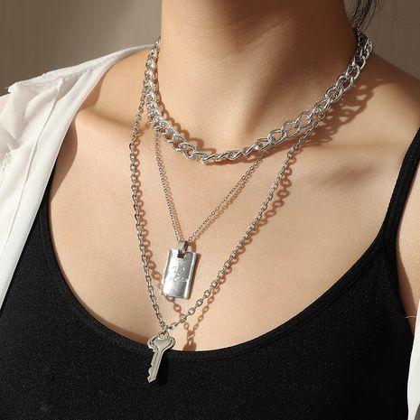 Collier de clé rétro en alliage simple à double couche de lettre géométrique de mode pour les femmes Nihaojewelry NHNZ239508's discount tags