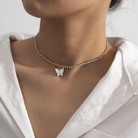 mode créatif rétro ethnique verre strass collier mode papillon pendentif collier en gros nihaojewelry NHXR239595's discount tags