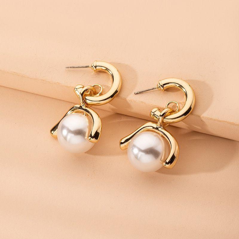 Baroque fashion retro exaggerated pearl earrings wholesale nihaojewelry NHAI239688