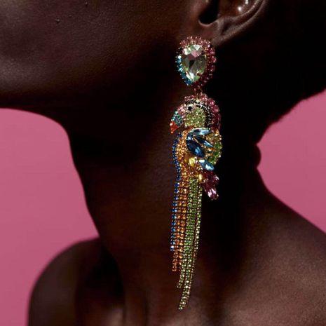 Piédestal de magnésium nouvelles boucles d'oreilles créatives de style national couleur diamant boucles d'oreilles perroquet en forme d'animal en gros nihaojewelry NHMD231801's discount tags