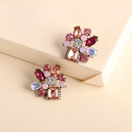 boucles d'oreilles géométriques exagérées nouvelles boucles d'oreilles carrées en cristal de couleur rétro en gros nihaojewelry NHJJ231859's discount tags