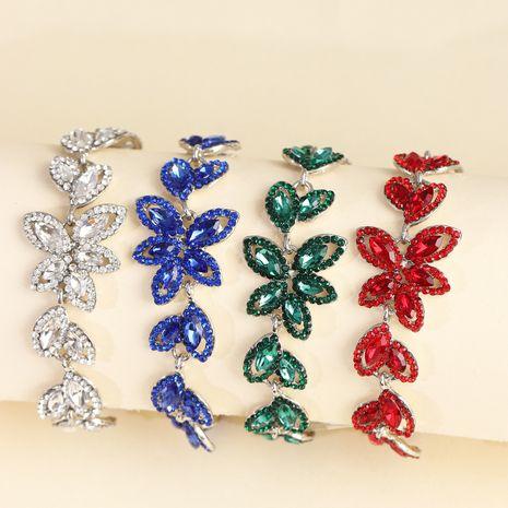 fashion jewelry creative alloy diamond leaf bracelet wholesale nihaojewelry NHJJ231860's discount tags