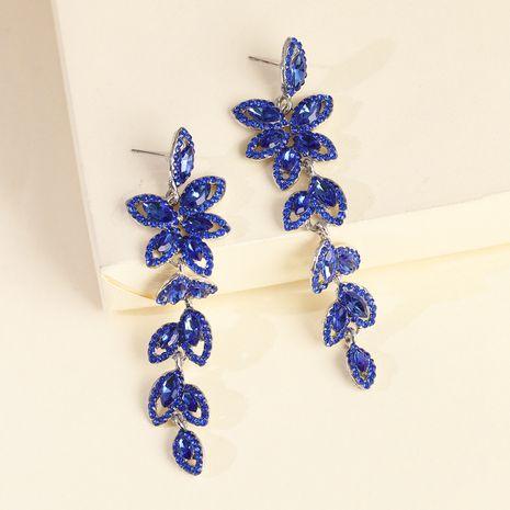 boucles d'oreilles mode modèles créatifs alliage diamant feuille boucles d'oreilles en gros nihaojewelry NHJJ231862's discount tags