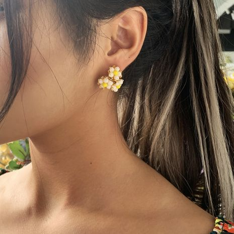 crystal flower earrings sweet three flower braided alloy earrings wholesale nihaojewelry NHMD231904's discount tags