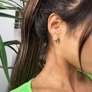 Pendientes de aleación de moda pendientes de cristal de flores silvestres pendientes de venta caliente al por mayor nihaojewelry NHMD231907's discount tags