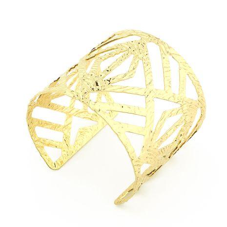 simple bracelet large en métal géométrique irrégulier creux sculpté ouverture bracelet bijoux en gros nihaojewelry NHGO231921's discount tags