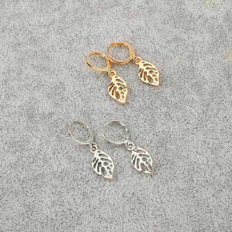 bijoux de mode rétro simple évidé feuille cercle petites boucles d'oreilles boucle d'oreille en gros nihaojewelry NHGO231941's discount tags