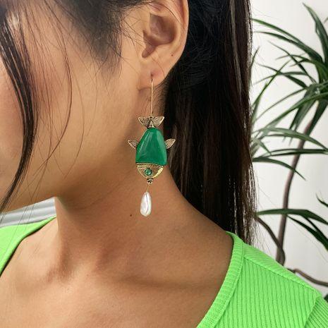 Retro Animal Fish Pendientes Aleación Colgante Pendientes de perlas Accesorios de resina de moda al por mayor nihaojewelry NHMD232223's discount tags