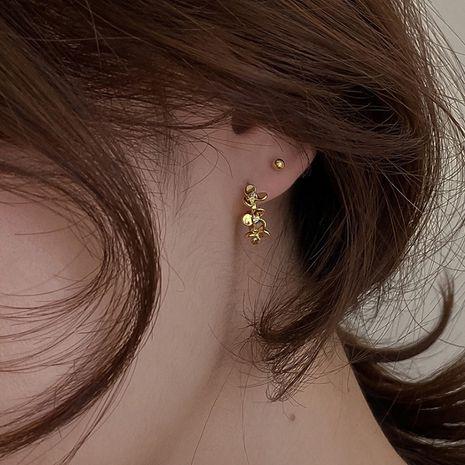 Boucles d'oreilles de mode coréenne en métal fleurs boucles d'oreilles strass en gros nihaojewelry NHMS232242's discount tags