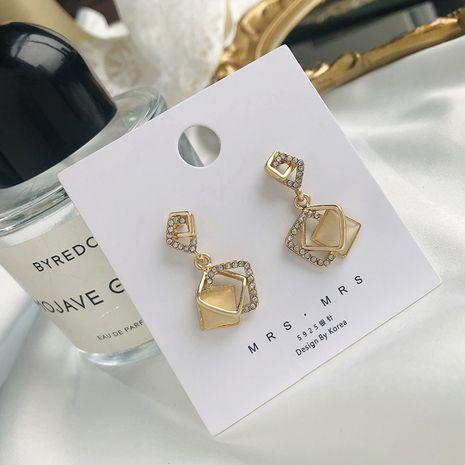 Boucles d'oreilles diamant géométrique creux Boucles d'oreilles diamant opale argent 925 Boucles d'oreilles mode coréenne en gros nihaojewelry NHWF232388's discount tags