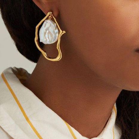 pendientes de perlas irregulares de moda pendientes geométricos de las mujeres al por mayor nihaojewelry NHMD232982's discount tags