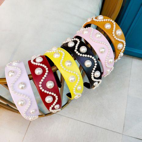 Diadema de perlas coreanas diadema de cuero de lujo retro diadema de perlas de horquilla de ala ancha simple de gama alta NHUX233153's discount tags