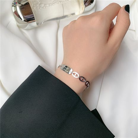 fashion Titanium steel gold-plated square  letter chain exquisite bracelet wholesale nihaojewelry NHYQ239979's discount tags