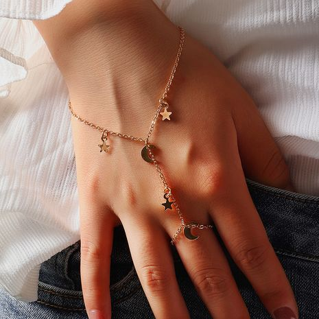 Fashion Simple Double Finger Star Bracelet Bracelet Alloy Chain Jewelry wholesale nihaojewelry NHNZ240230's discount tags