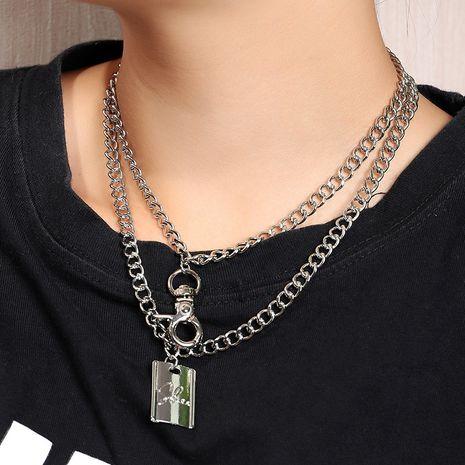 Collier en relief à double couche géométrique rétro Hip Hop Trend Lock lettre en relief nihaojewelry NHNZ240239's discount tags