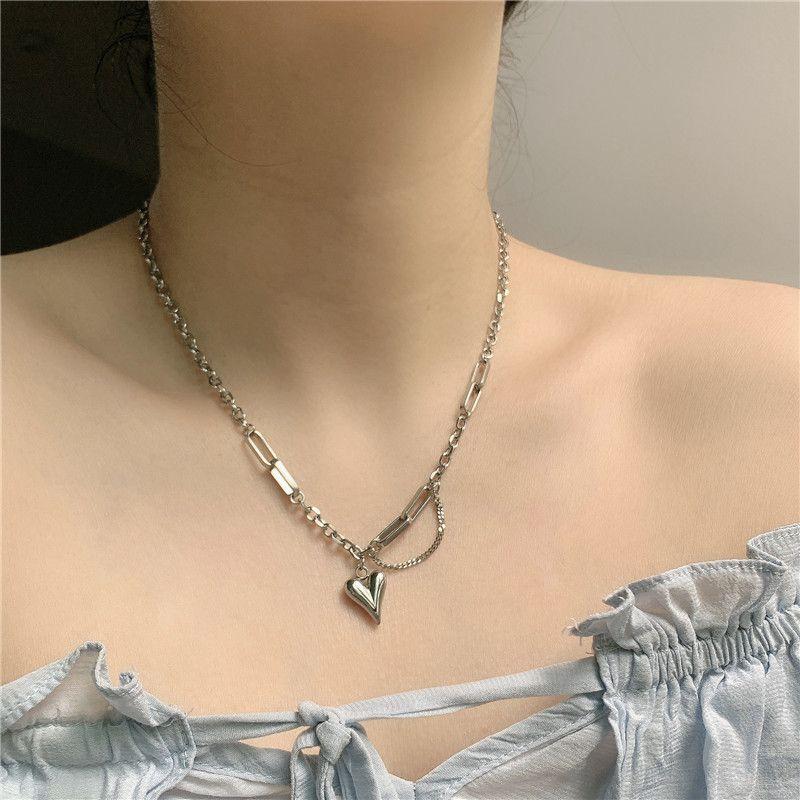 Korean titanium steel niche exquisite love pendant clavicle chain necklace for women NHYQ242983