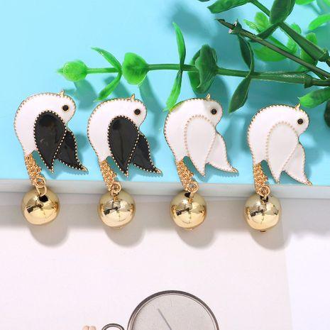 Color head low winged small beak fat bird geometric spherical earrings metal earrings wholesale nihaojewerly NHJQ243036's discount tags