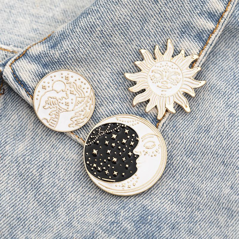 new creative cartoon sun moon spray brooch alloy drip badge wholesale nihaojewelry NHMO243355
