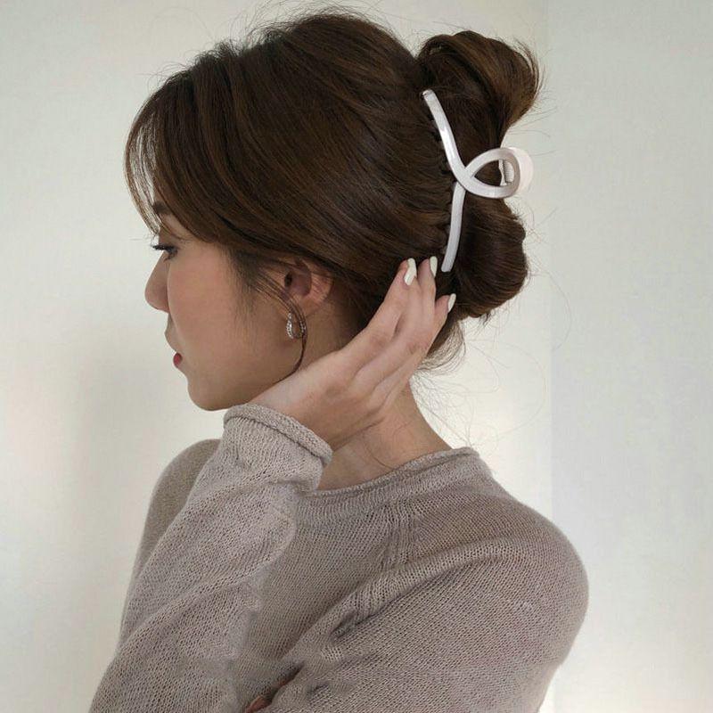Korean simple  cross-grabbing hair clip simple hairpin wholesale  NHSA243443
