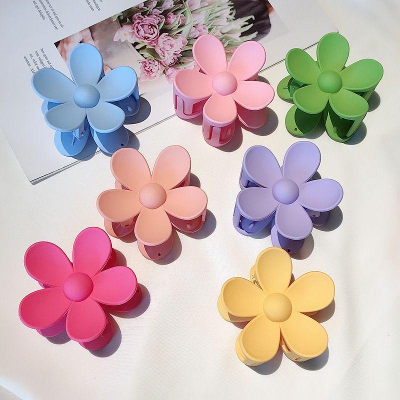Korea Flower Cute Plate Clamping Candy Shark Clip Hairpin Headdress wholesale nihaojewelry NHDQ243452