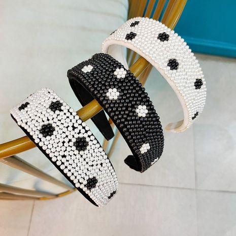 fashion full pearl headband daisy cute headband new simple women's headband wholesale  NHUX243675's discount tags