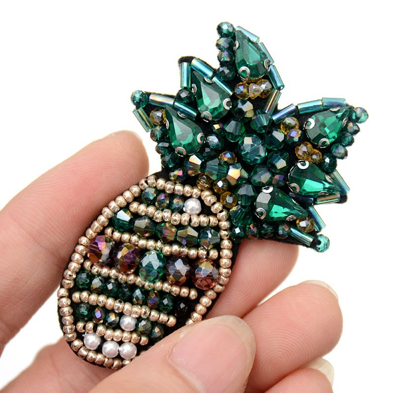 French handmade bead embroidery crystal pineapple brooch cloth sticker accessories  NHNK243766