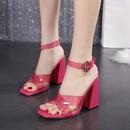 Nuevas sandalias con hebilla de una palabra de tacn alto transparente sexy con punta cuadrada gruesa cruzada para mujer NHSO244258