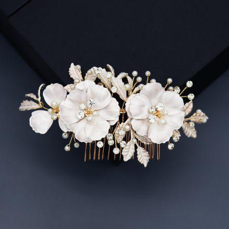 belles fleurs perle peigne à la main strass peigne mariée cheveux coiffure en gros nihaojewelry NHHS244623's discount tags