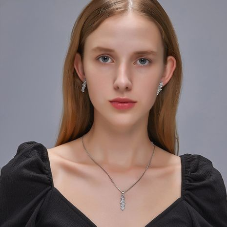 new geometric crystal diamond-set simple fashion zircon earrings necklace set  NHDP244397's discount tags