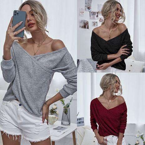 Forme a la nueva camiseta de manga larga con cuello en V para mujer al por mayor NHDF246751's discount tags