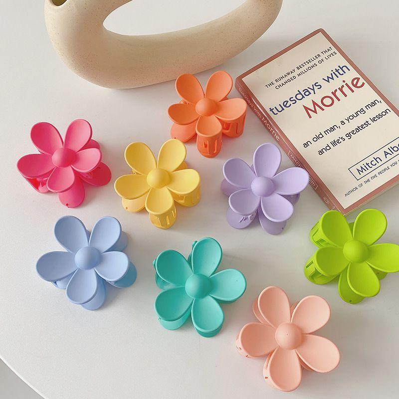 Korean bathing plate hair clip headwear shark clip wholesale nihaojewelry NHCQ247273