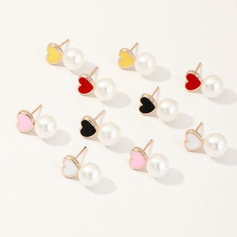 Boucles d'oreilles de lobe d'oreille perle mignonne de dessin animé de goutte d'huile de préservation de la couleur coréenne en gros NHNU247359's discount tags