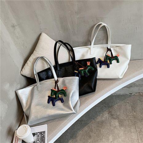 nuevos bolsos de mujer de gran capacidad simples portátiles de un solo hombro de moda de moda NHJZ247832's discount tags