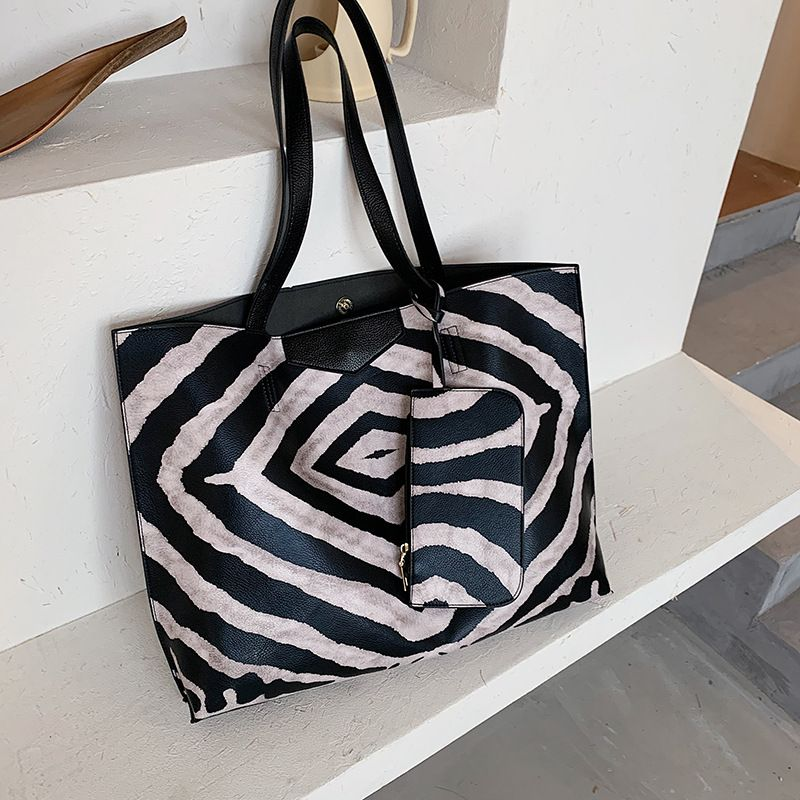 new trendy soft leather striped large-capacity picture and handbag single shoulder big bag for women  NHJZ247840