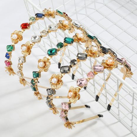 Fashion diamond-studded glass diamond-studded pearl flower alloy women's hair accessories NHJE247991's discount tags