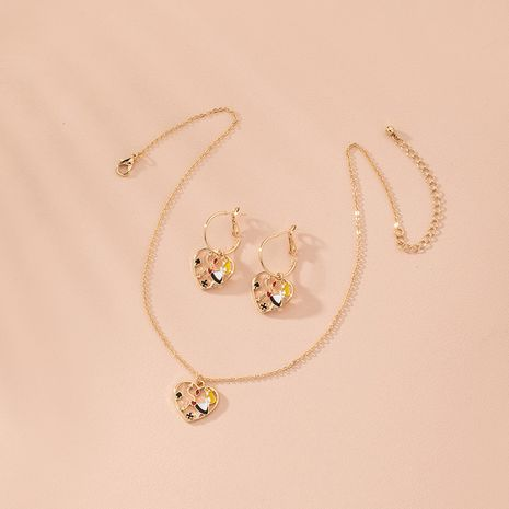 mode exagérée style portrait ethnique métal couture combinaison alliage collier boucles d'oreilles ensemble en gros NHAI248067's discount tags