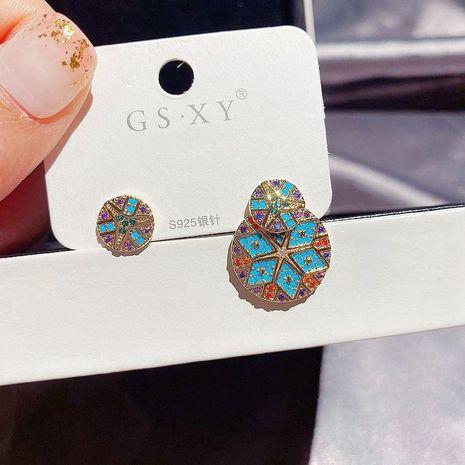 Aiguilles en argent S925 rondes colorées asymétriques diamants de couleur boucles d'oreilles en cuivre pour femmes micro-incrustées NHCG248336's discount tags