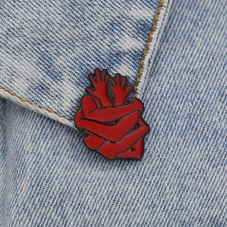 nuevo broche brazo de dibujos animados abrazando corazón rojo broche retro vaquero accesorios NHCU248292's discount tags
