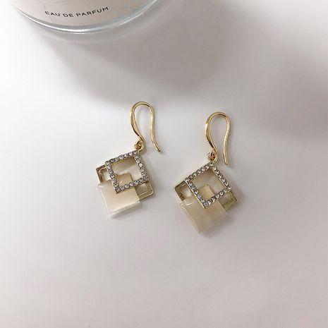 Boucles d'oreilles tout-assorties en opale creuse sertie de diamants carrés géométriques en gros NHWF248519's discount tags