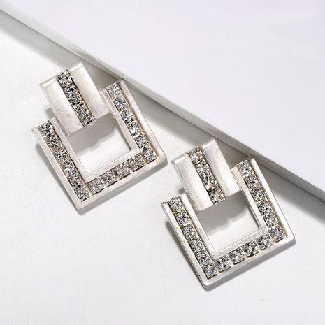 alliage géométrique incrusté de diamants fille à la mode boucles d'oreilles de mode exagérées en gros nihaojewelry NHJQ248659's discount tags