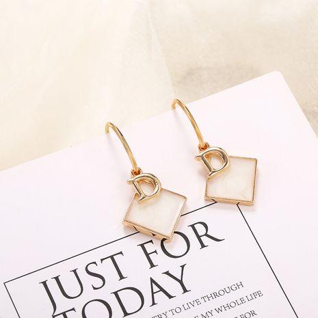 S925 argent aiguille D lettre coquille simples géométriques exagérées longues boucles d'oreilles en gros nihaojewelry NHPF248940's discount tags
