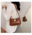 Retro new fashion oneshoulder underarm bag allmatch messenger baguette wholesale NHTC249252